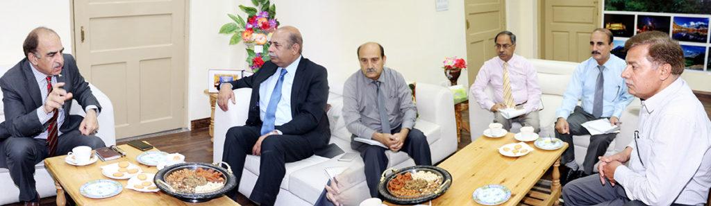 ED-HEC-Prof.-Dr.-Irshad-Ali-met-Vice-Chancellor-KIU